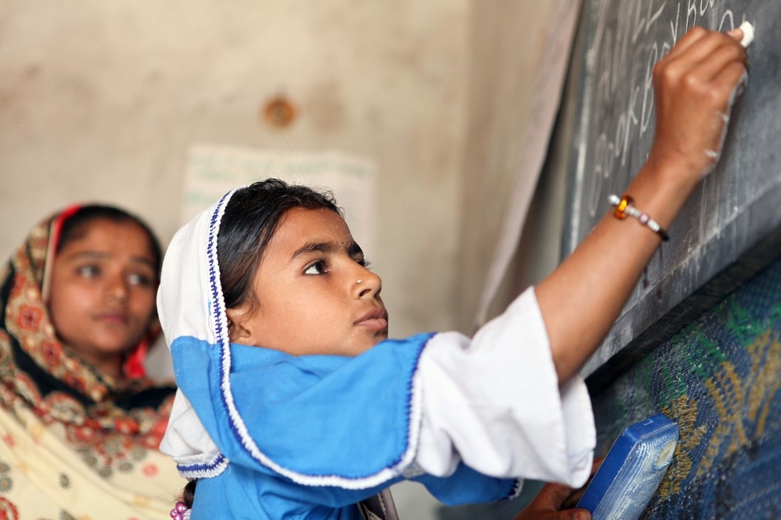 advantages of girl child education What are the advantages of preschool children may also learn some academic basics such as counting and the alphabet plus, most preschool teachers have training in early childhood education, so they know what to expect from your child developmentally and are able to help her along.