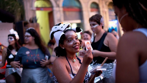 Brazilian women say 'No Means No' at carnival