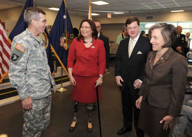 Ladda Tammy Duckworth: Breaking Boundaries in Disability