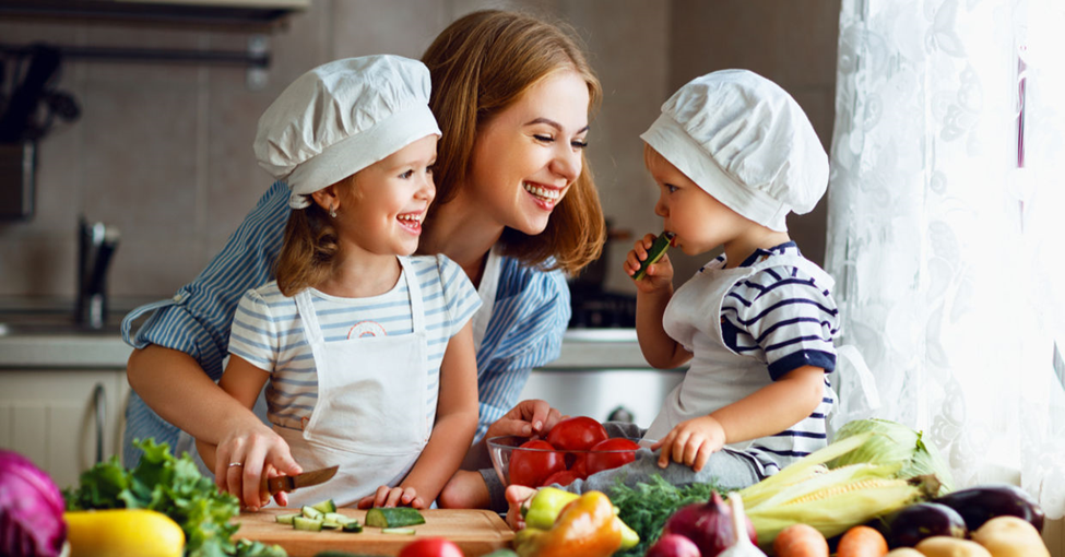 5 Smart Plans that Create a Balanced Summer Experience for Mom and Kids