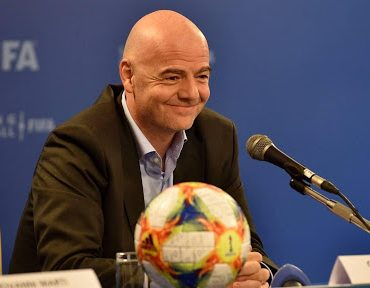 FIFA President Seeks Assurances for Women-Spectators ahead of 2022 World Cup in Iran