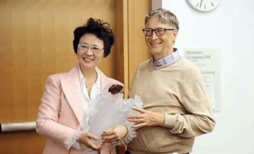 "You Zhonghui Signs the ""Giving Pledge"""